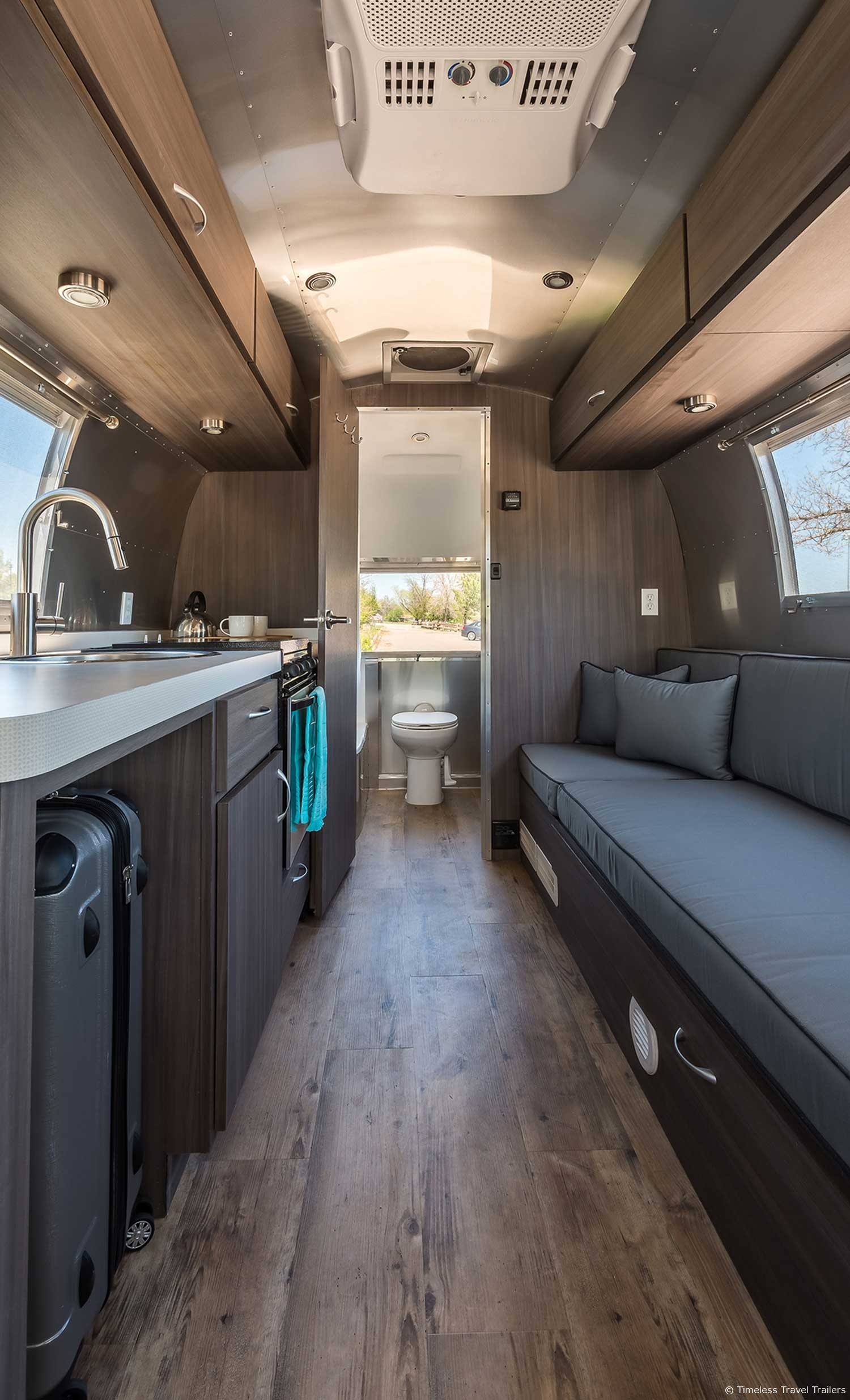marble airfield guest lodging by timeless travel trailers. Black Bedroom Furniture Sets. Home Design Ideas