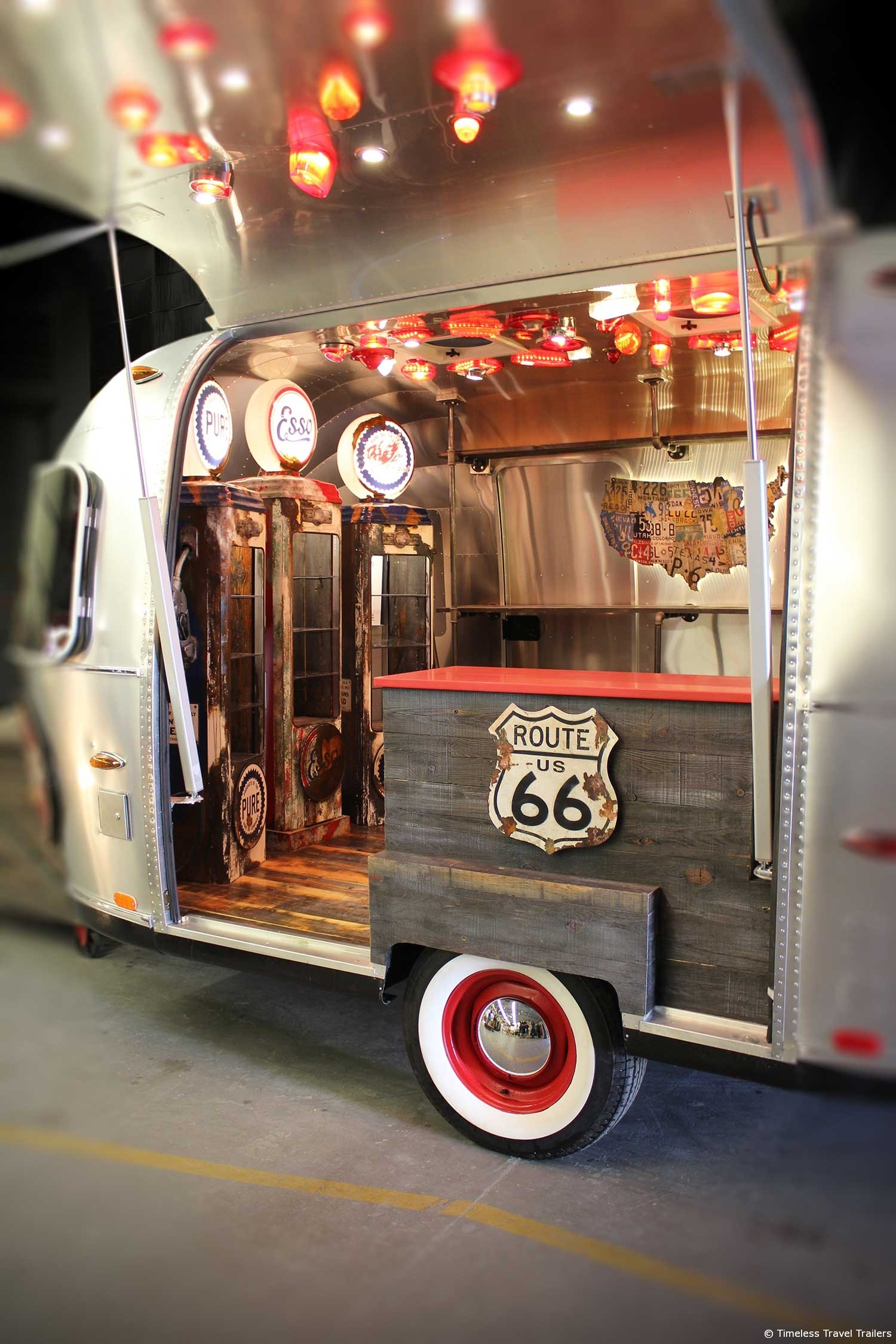 pacific park airstream pop up store by timeless travel. Black Bedroom Furniture Sets. Home Design Ideas