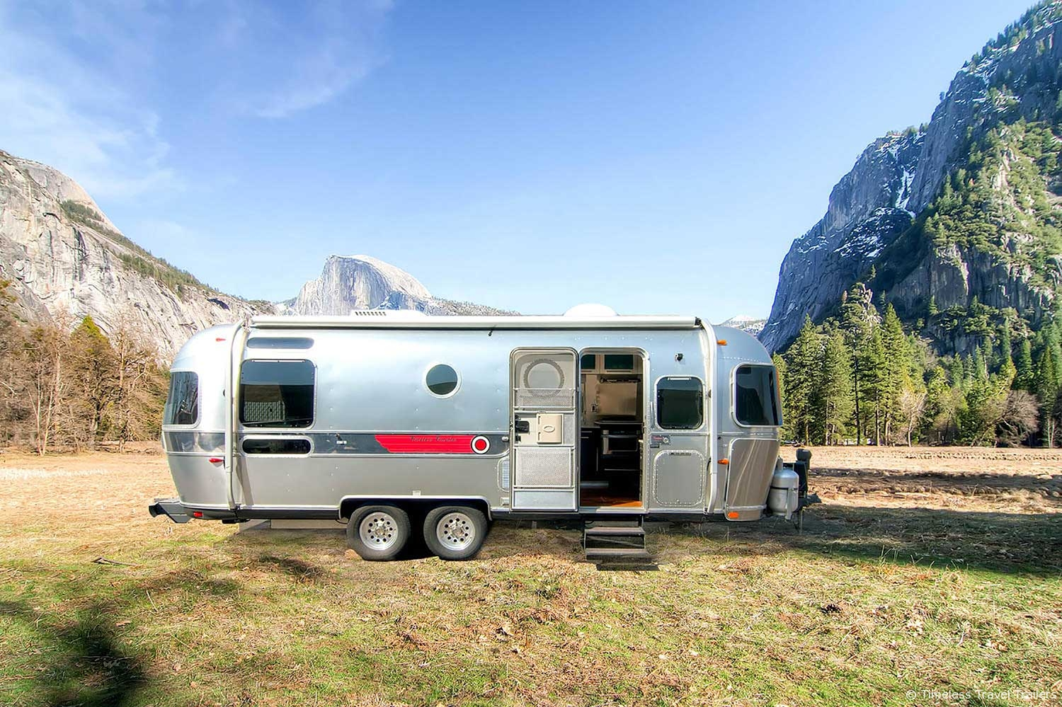 for sale timeless traveler 2007 airstream by timeless. Black Bedroom Furniture Sets. Home Design Ideas